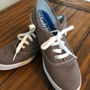 KEDS! super clean and like brand new!